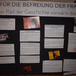 Wandtafel zur Befreiung der Frau